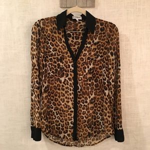 ⚡️50% off Express leopard blouse